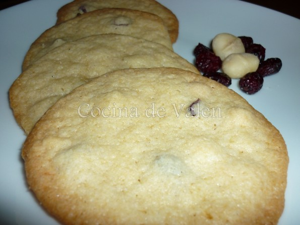 Galletas con Arándanos Nueces de Macadamia y Chocolate Blanco