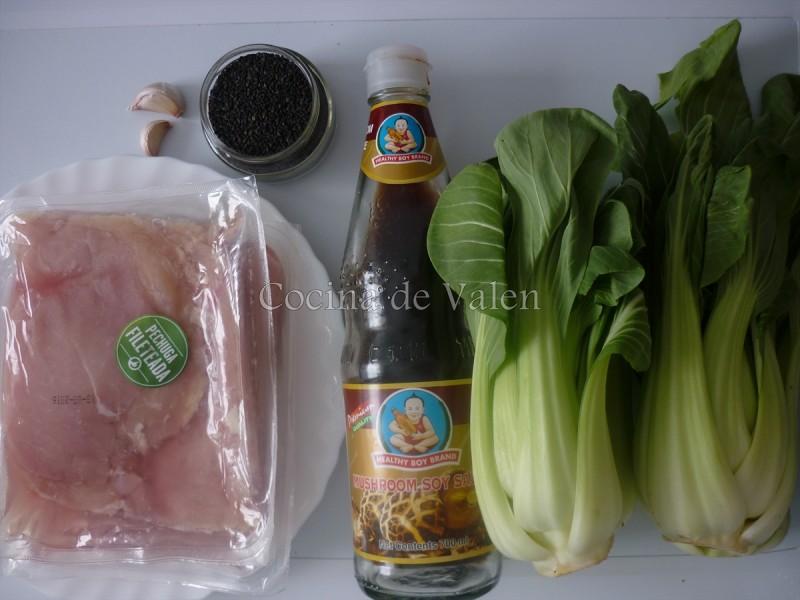 Ingredientes Pollo Salteado con Pak Choi y Sésamo