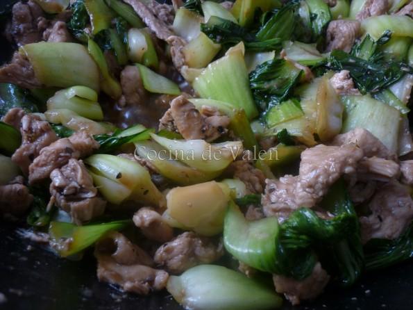Pollo Salteado con Pak Choi y Sésamo - Cocina de Valen