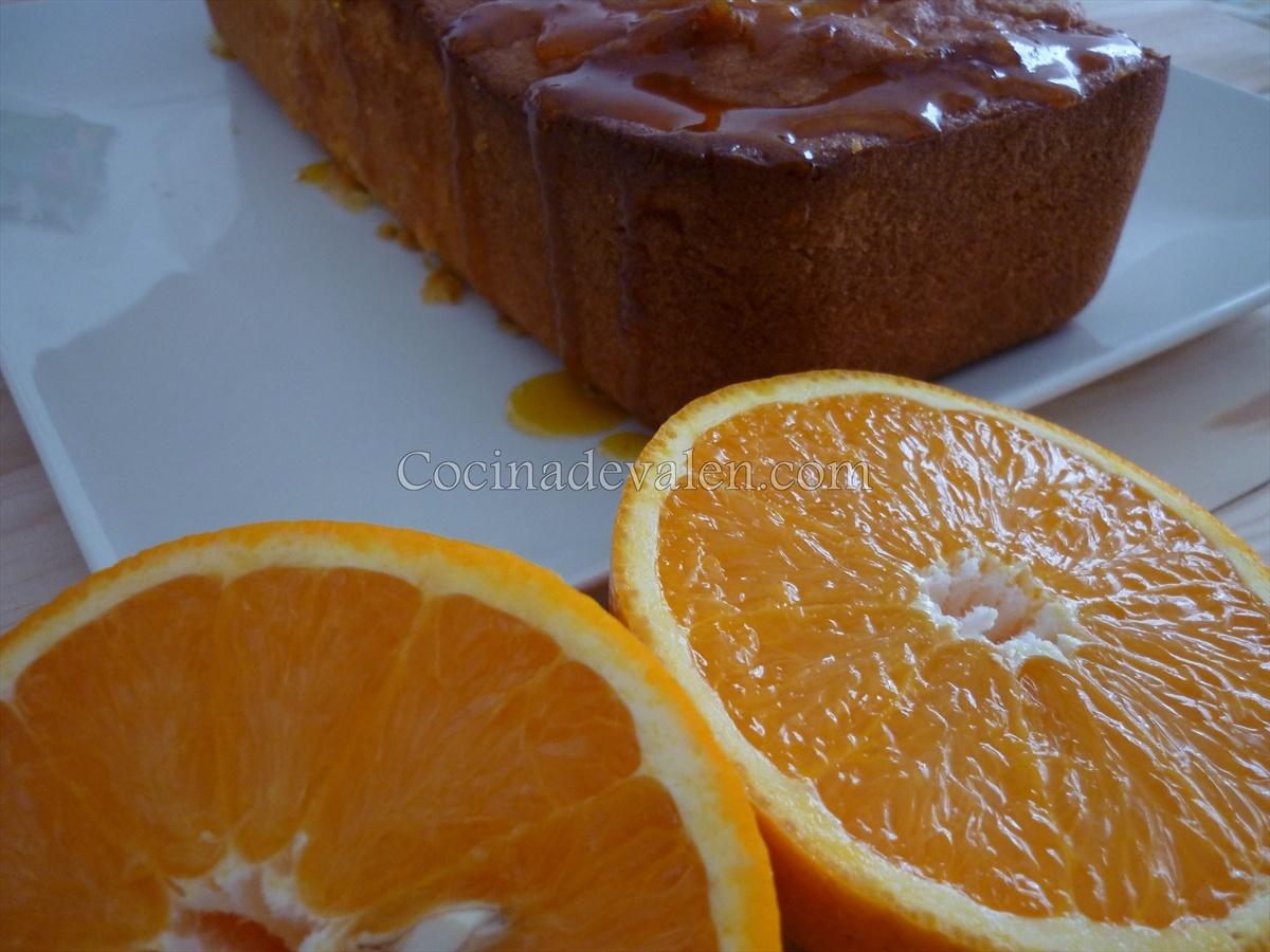 Bizcocho de naranja con glaseado de naranja