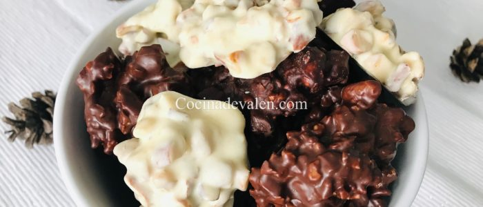 Roquitas de frutos secos y chocolate